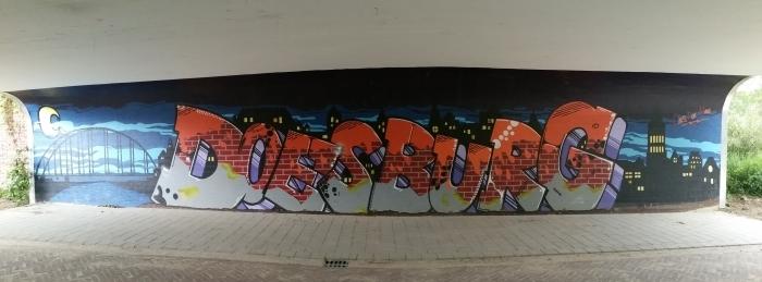Een viaduct met Brummense Street Art